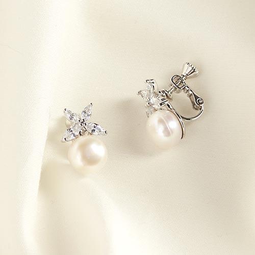 蝴蝶翩翩起舞墜珍珠。夾式(螺旋夾)/針式耳環【2-1619】 - 夾式 耳環|耳夾式耳環|螺旋夾式耳環|貼耳夾式耳環